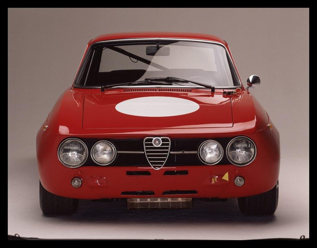 Alfa Romeo 1750 GTAM front view