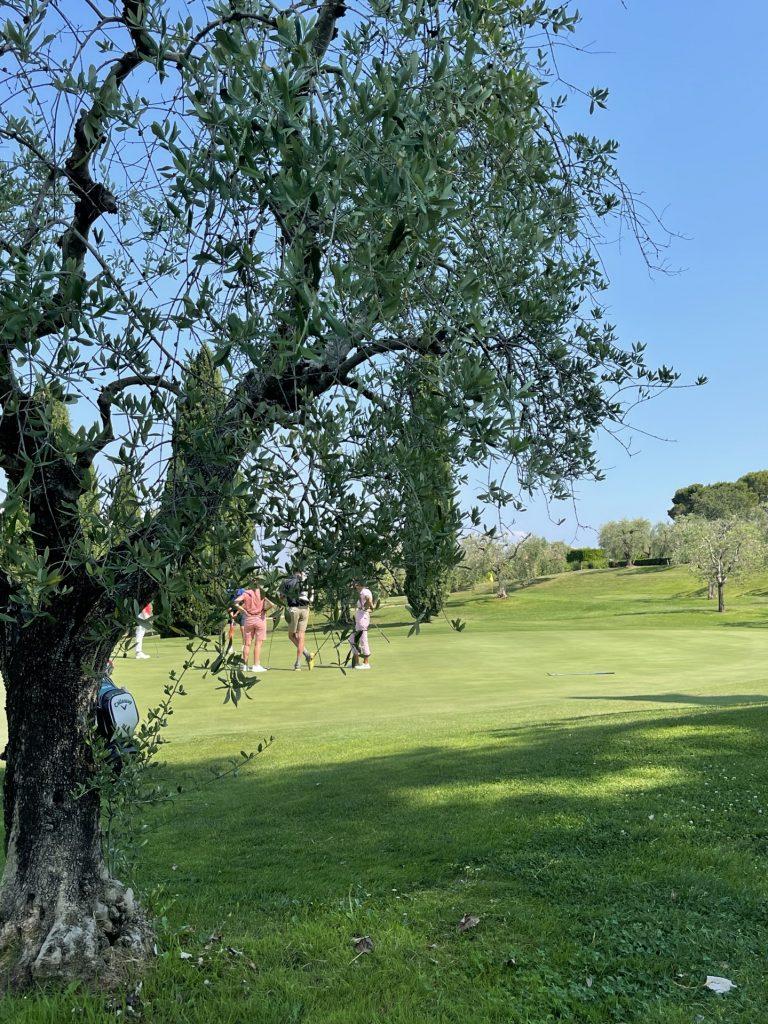 Morman, auto e golf; un binomio che domenica 13 giugno è sceso in campo in occasione dell'ottava tappa del Top Tour Challange 2021 nella fantastica location del Gardagolf di Soiano del Lago (BS)