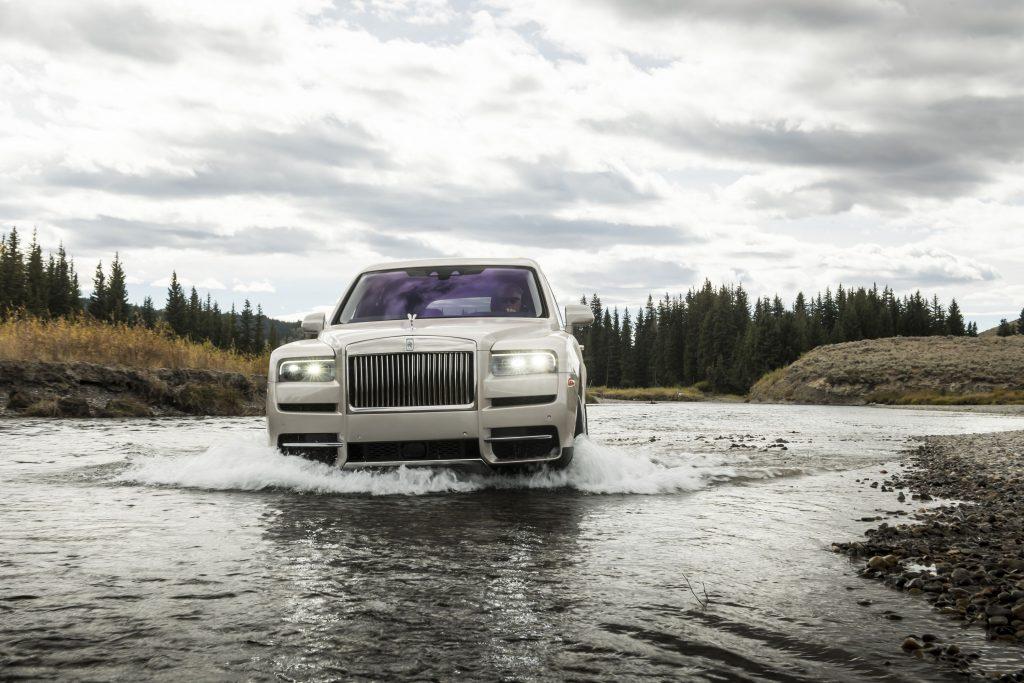 Rolls Royce Cullinan guado 2